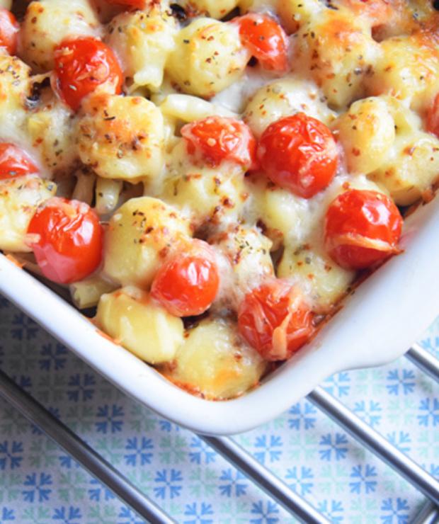 Zapiekanka z gnocchi, mięsem mielonym i warzywami - Dania z makaronu