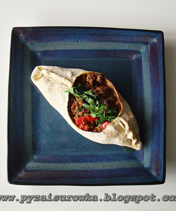 Sakiewki z mięsem mielonym, pomidorami i papryką - prosty i szybki przepis - Wieprzowina