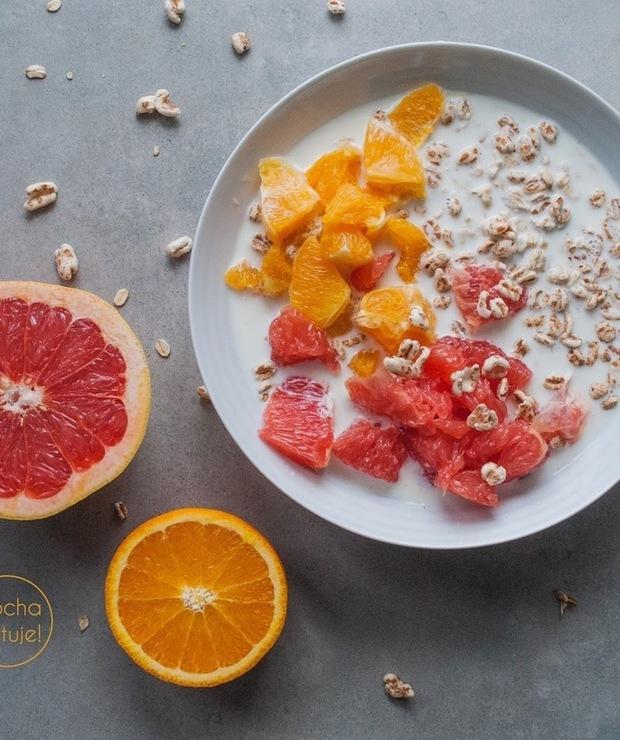 Owsianka z grejpfrutem, pomarańczą  i ekspandowanym orkiszem - Musli i podobne