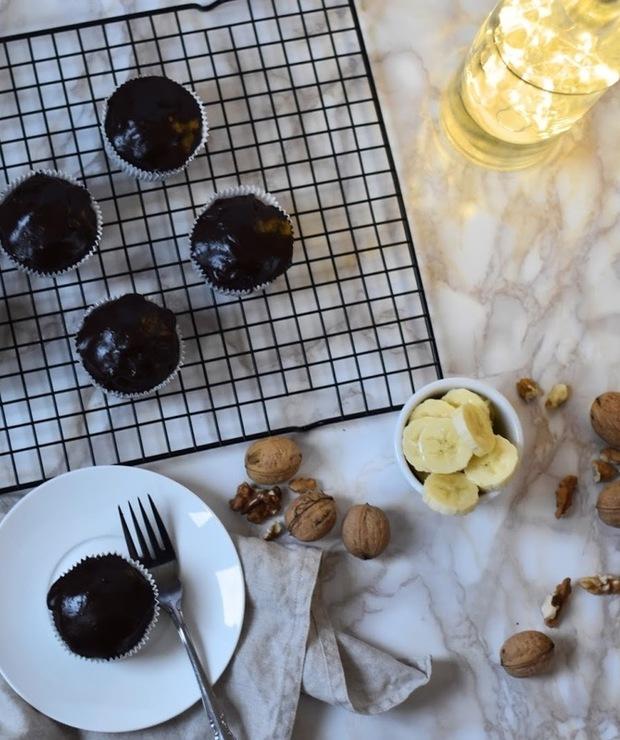 MUFFINY CZEKOLADOWE Z BANANAMI - Muffiny i babeczki