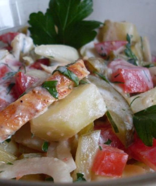 Ziemniaczana sałatka z grillowanym kurczakiem - Mięsne
