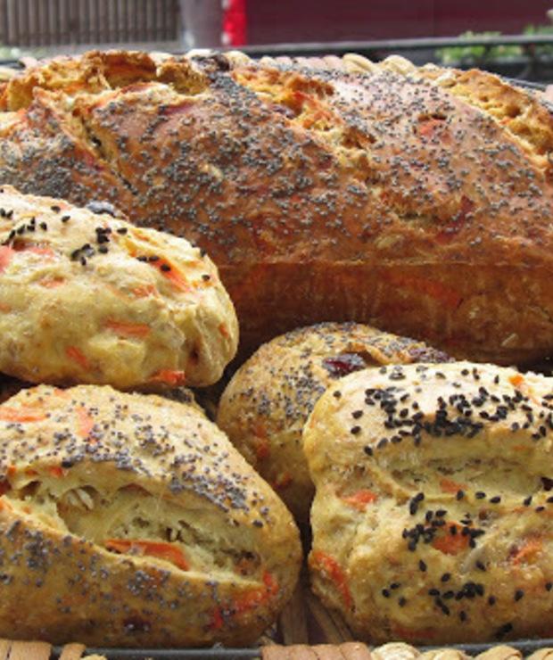 Chleb marchewkowy. - Chleby