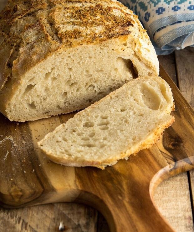 Łatwy chleb bez zagniatania z parmezanową posypką… - Chleby