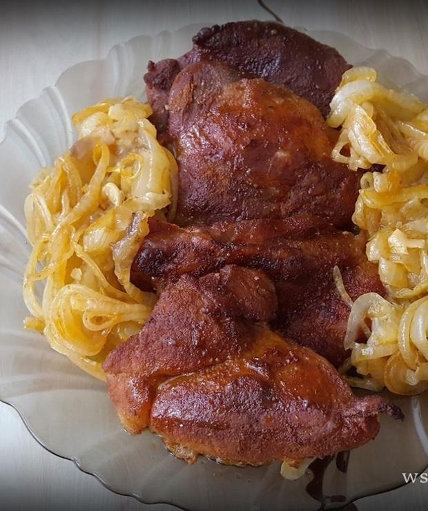 Łopatka z cebulką zapiekana w piekarniku - Wieprzowina