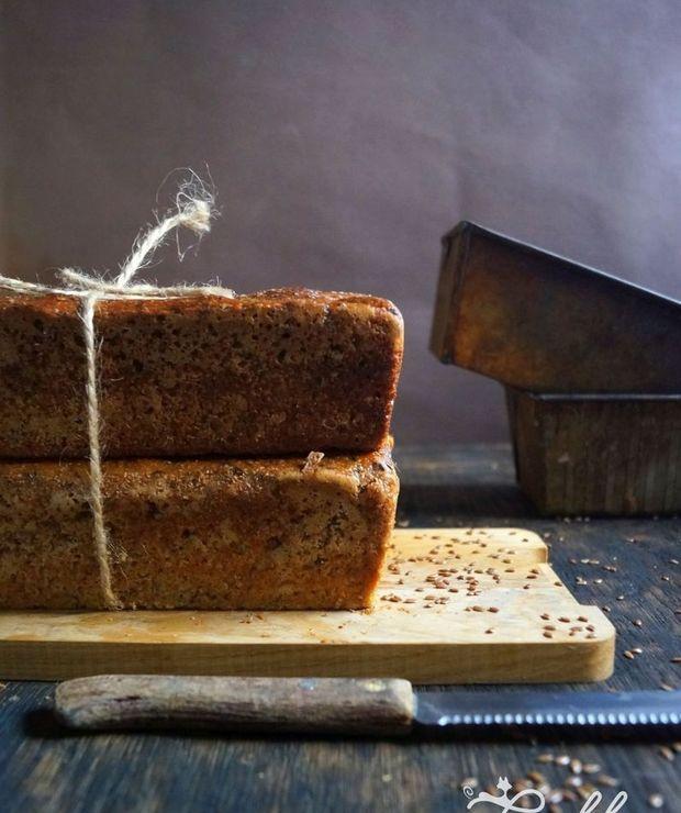 Chleb na zakwasie z prażonym siemieniem lnianym wg. Piotra Kucharskiego - Chleby