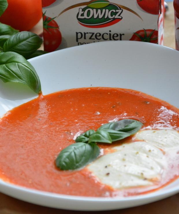 Pomidorowa z bazylią i mozzarellą - Kremy