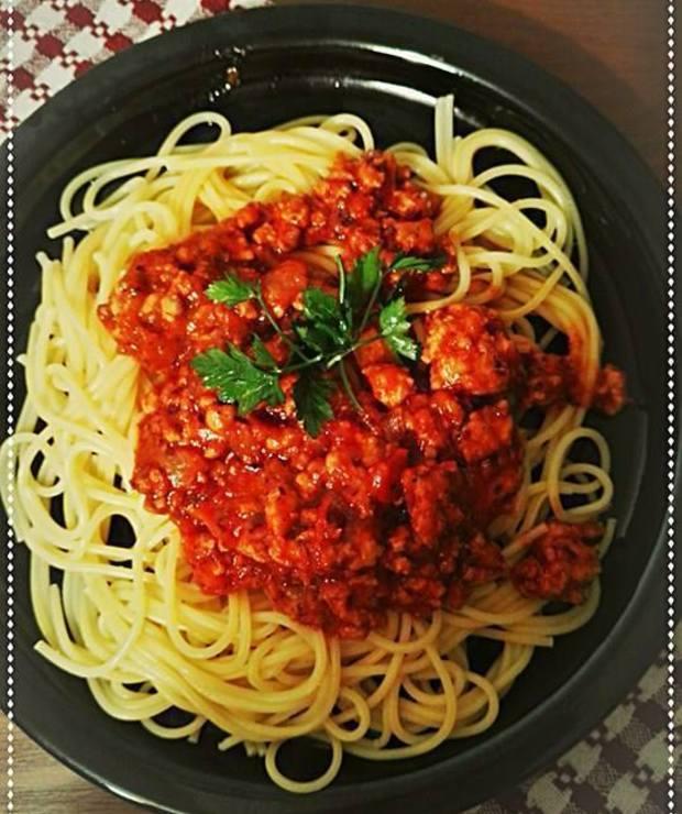 Spaghetti z pieczonych pomidorów i czosnku - Dania z makaronu
