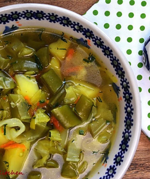 Zupa z młodej kapusty i groszku cukrowego - Z warzywami