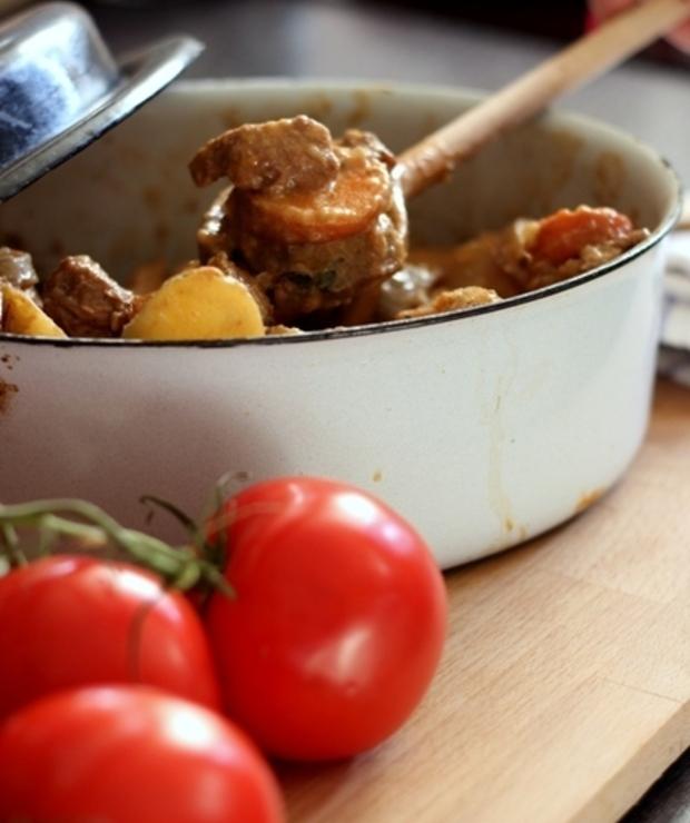 Aromatyczny gulasz z szynki wieprzowej/ Flavourful pork stew - Wieprzowina