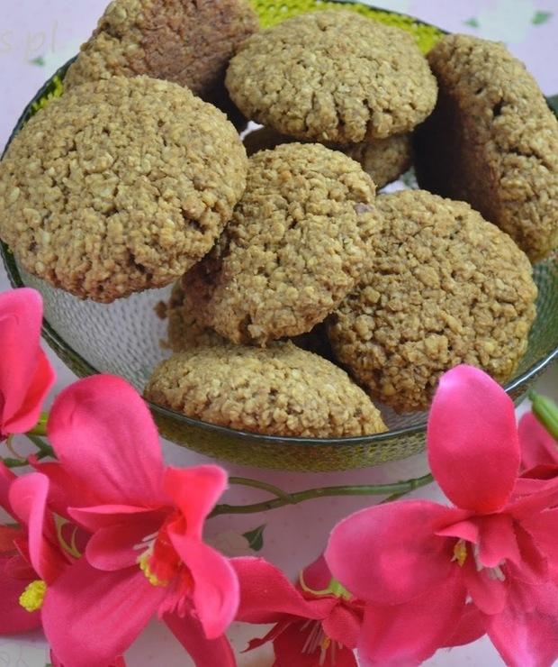 Ciastka owsiane z orzechami, skórką pomarańczową i naparem herbacianym - Ciastka