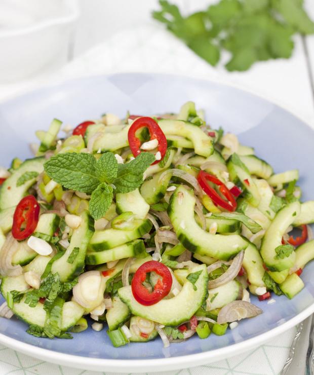Tajska sałatka z ogórka  - Surówki