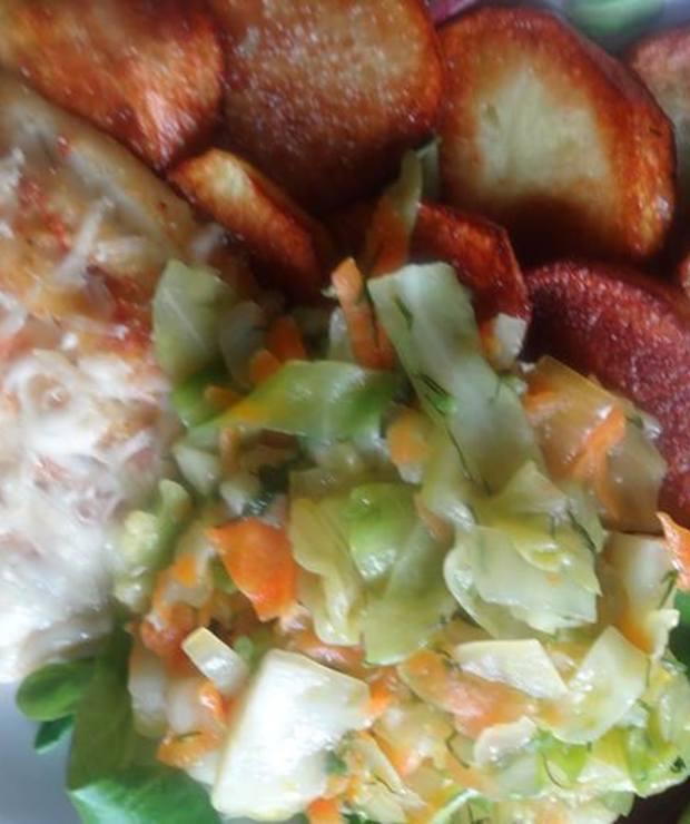 Ryba z serem z talarkami z ziemniaków z kapustą młodą na gęsto - Dorsz