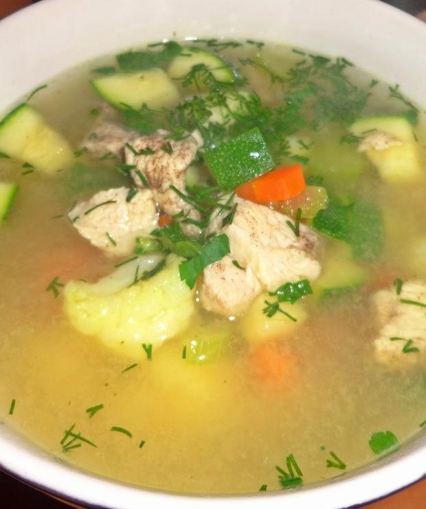 Aromatyczna zupa z kurczakiem - Z mięsem