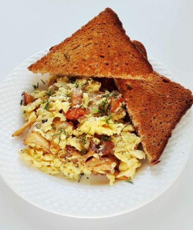 Jajecznica z kurkami - Jajka i omlety