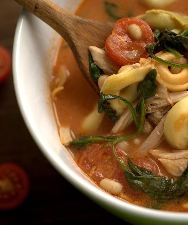 Zupa z tortellini i pomidorami - Z warzywami