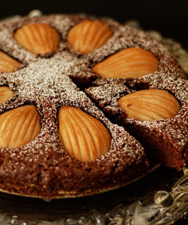 Czekoladowe ciasto z gruszkami - Biszkopty
