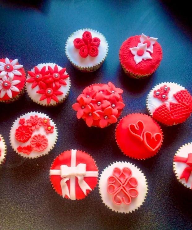 Biało-czerwone najbardziej czekoladowe babeczki na świecie! - Muffiny i babeczki
