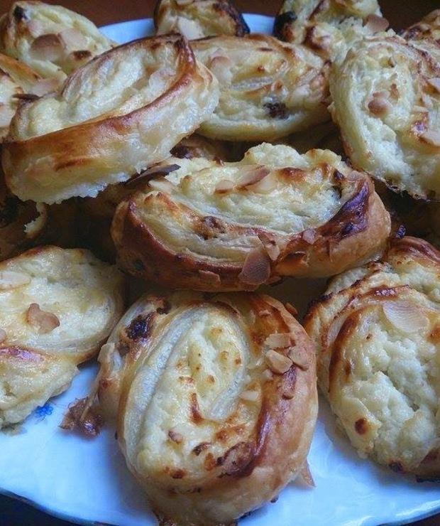 Serowe ślimaki z ciasta francuskiego - Francuskie
