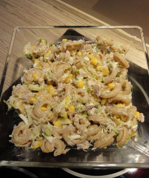 Makaronowa sałatka z wędzoną makrelą  - Mięsne