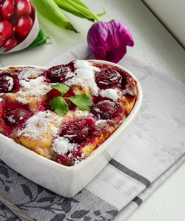 Sernikowa zapiekanka z makaronem i olejem rzepakowym. - Desery i ciasta