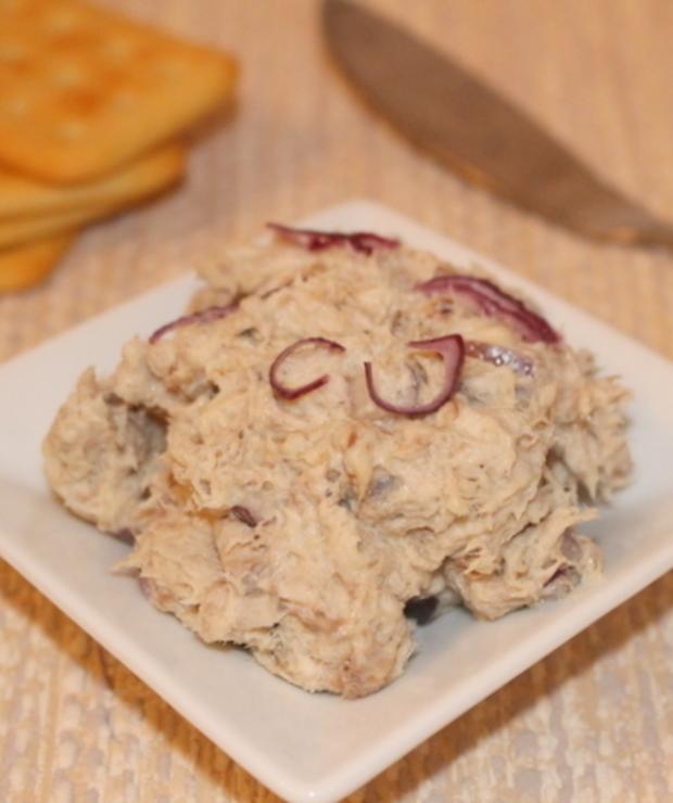 Pasta z wędzonej makreli i czerwonej cebuli - Na zimno