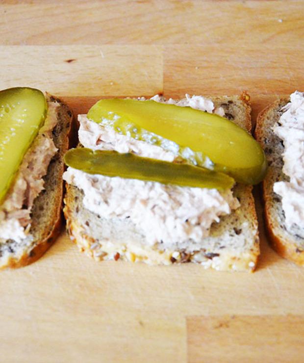 Kanapki z pastą z tuńczyka - Na zimno