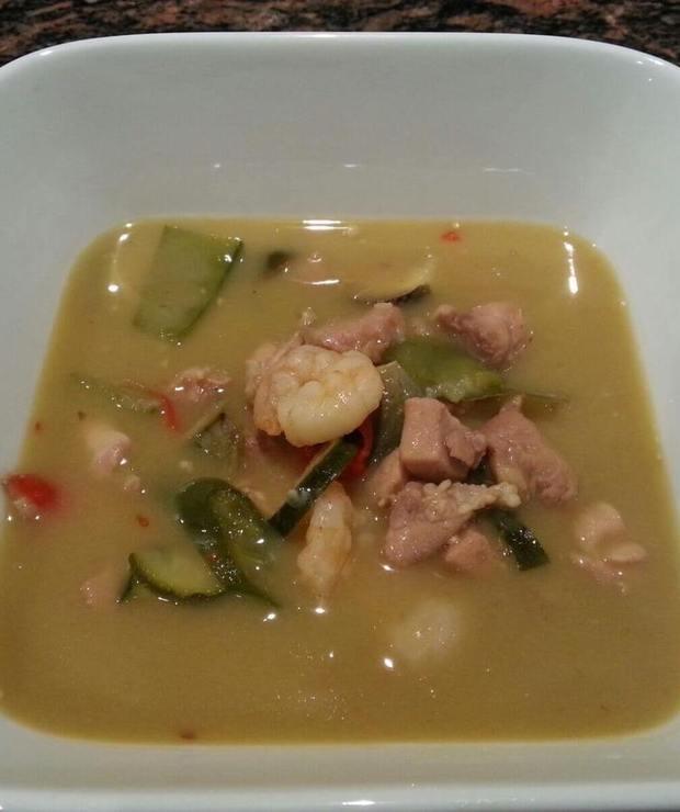 Tajskie zielone curry z krewetkami i kurczakiem - Drób