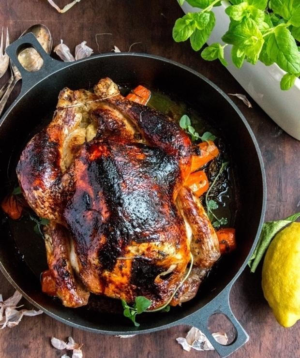 Pieczony kurczak. Czosnek, cytryna i świeże zioła - Drób