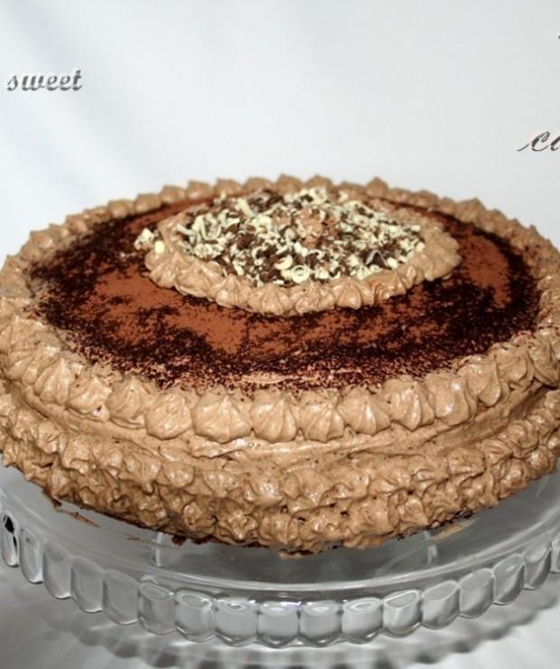 Tort cappuccino z lekkim kremem na bazie śmietany - Torty