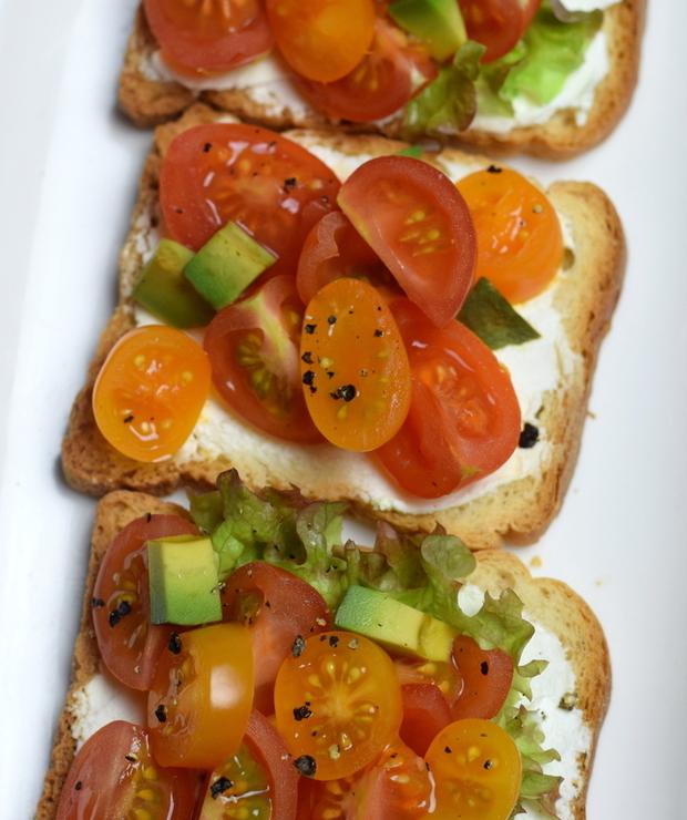 Śniadaniowe sucharki - Kanapki i tosty