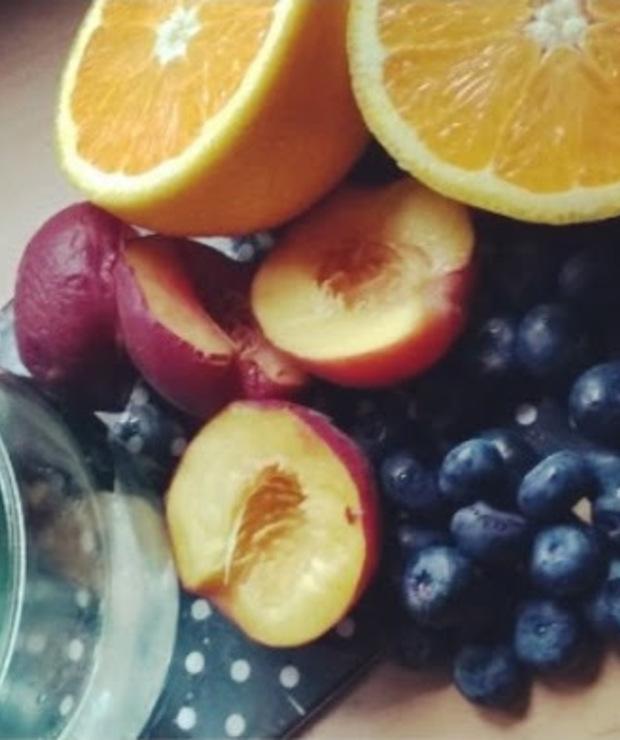 borówki + pomarańcza + brzoskwinia + sok z trawy pszenicznej - Zimne