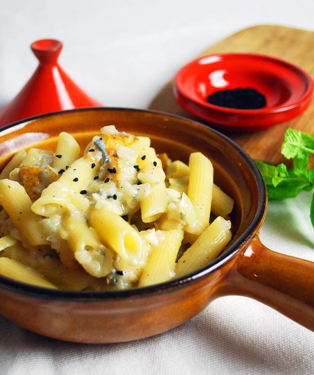 Makaron z gorgonzola, gruszkami i orzechami włoskimi - Dania z makaronu