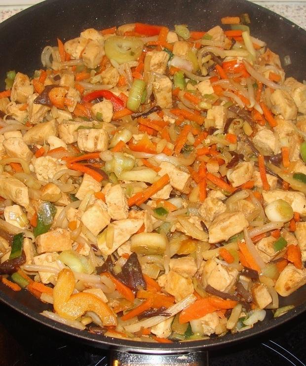 Kurczak z warzywami po chińsku  - Drób