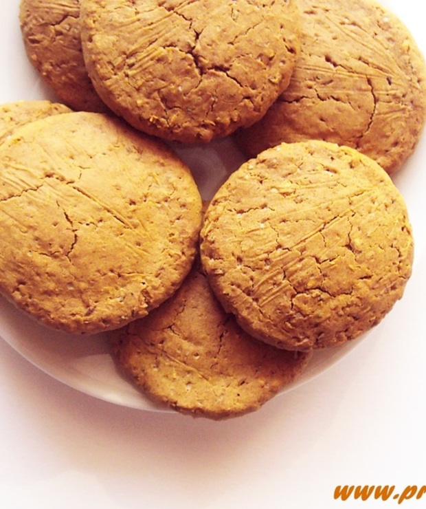 Ciastka  z melasą z morwy i  babką płesznik ( bez glutenu, jajek i masła ) - Bezglutenowe