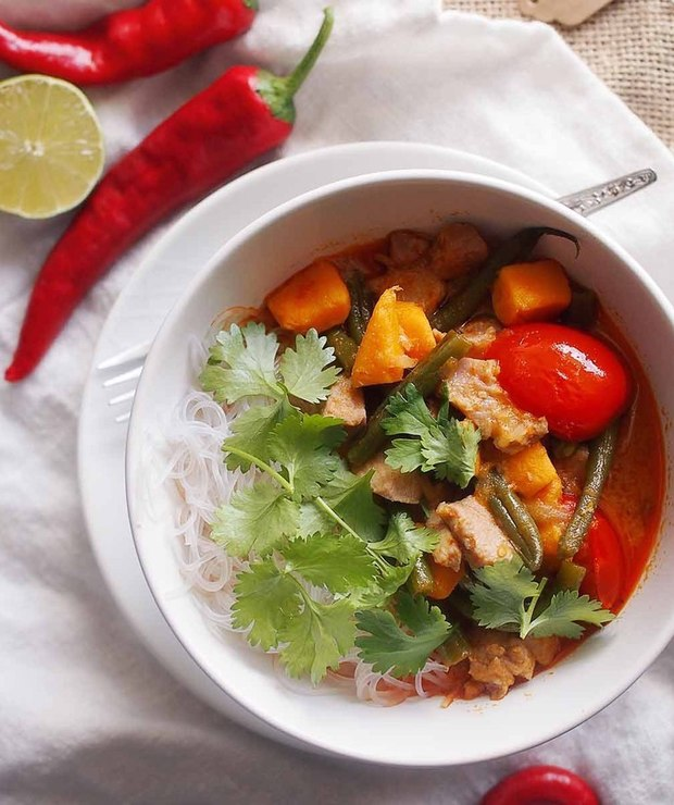 Czerwone curry z rybą, fasolką i batatami / Red curry with fish, beans and sweet potato - Tuńczyk