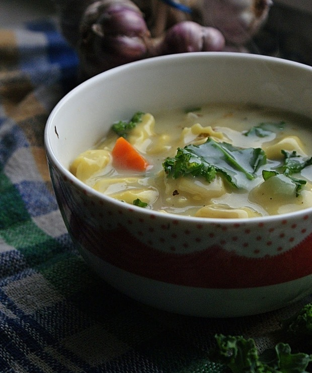 Kremowa zupa z tortellini - Z warzywami