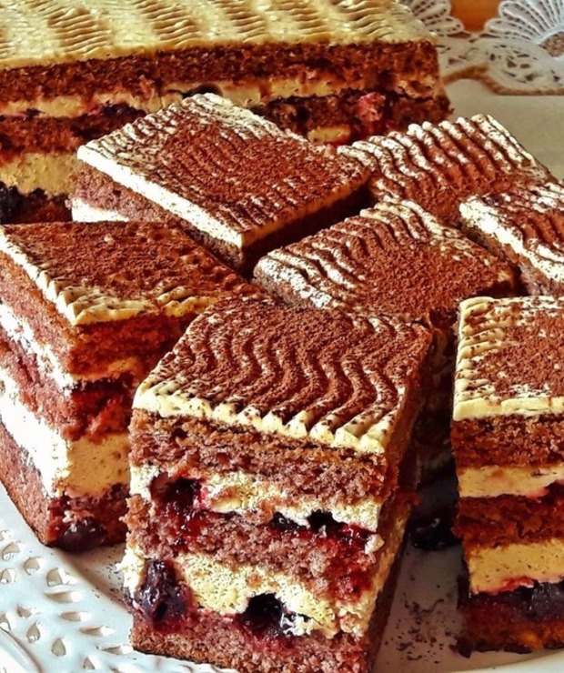Kremowe ciasto cappuccino - Biszkopty