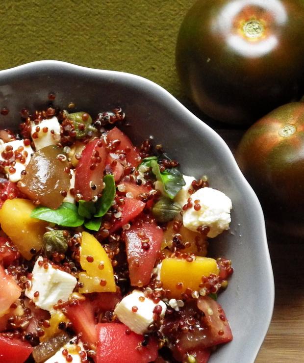 Sałatka z czerwoną quinoą i serem lor - Bezglutenowe