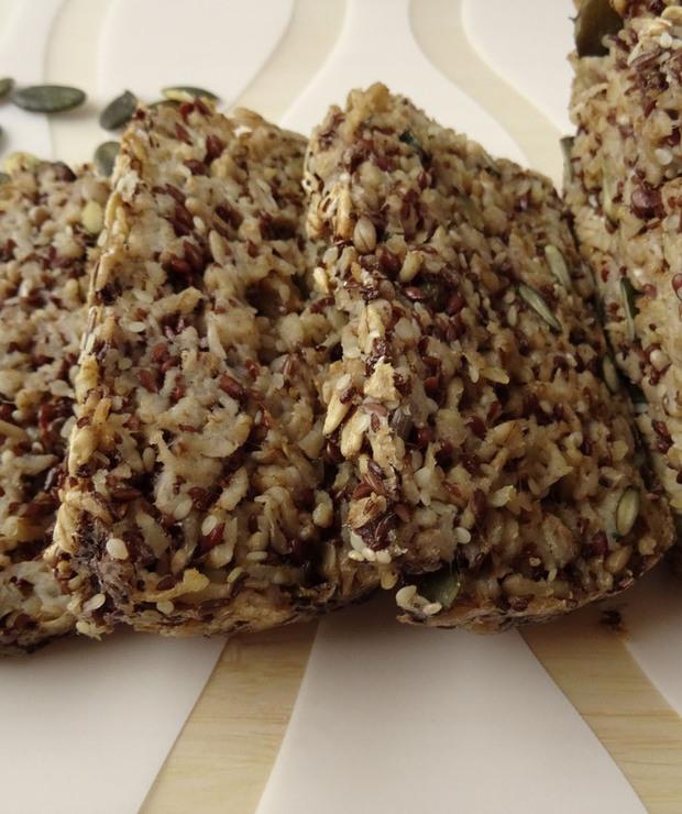Chleb z płatków owsianych i ziaren - Chleby