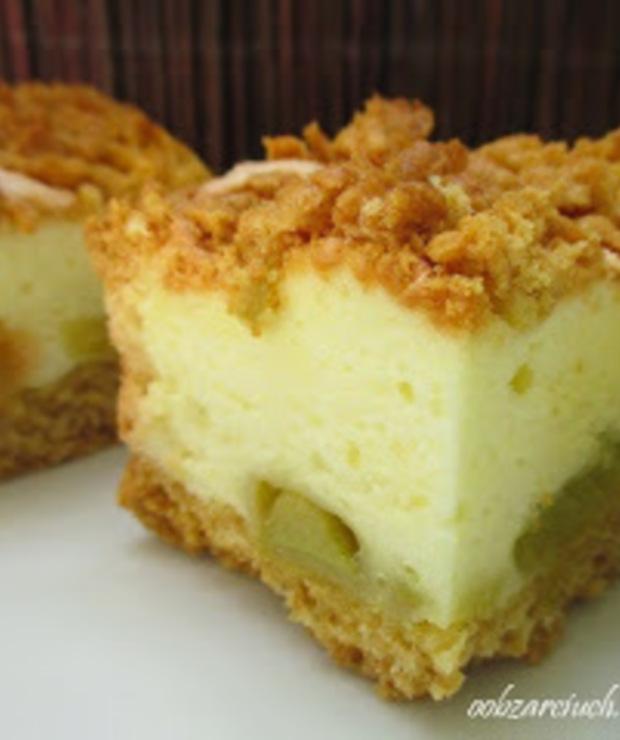 Kruche ciasto z rabarbarem i pianką budyniową - Kruche