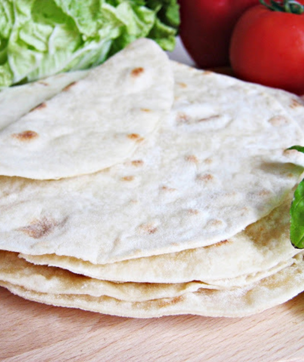 Domowa pszenna tortilla - Bułki