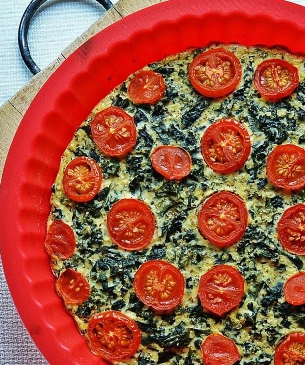 Frittata z jarmużem i pomidorami - Tarty wytrawne