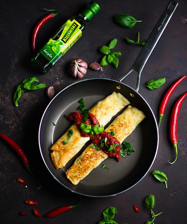 Recenzja patelni Florina Oil Control i przepis na naleśniki z brokułem, serem ferta i kurczakiem, w sosie pomidorowym - Mączne