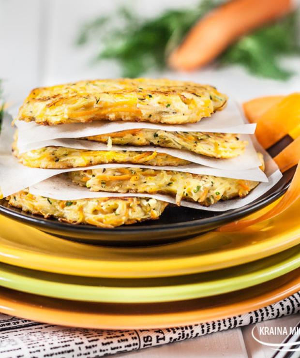 Placki ziemniaczane z marchewką i cukinią - Na gorąco