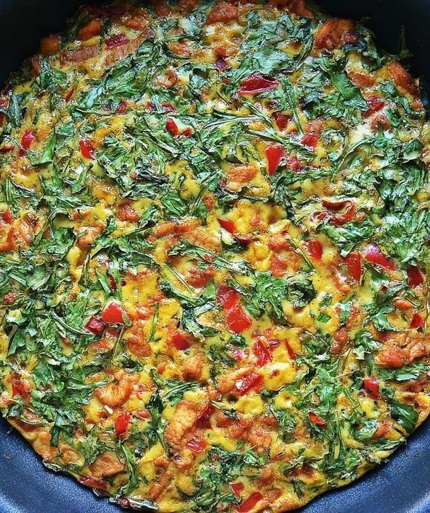 Obiadowy omlet z kurczakiem - Dania główne