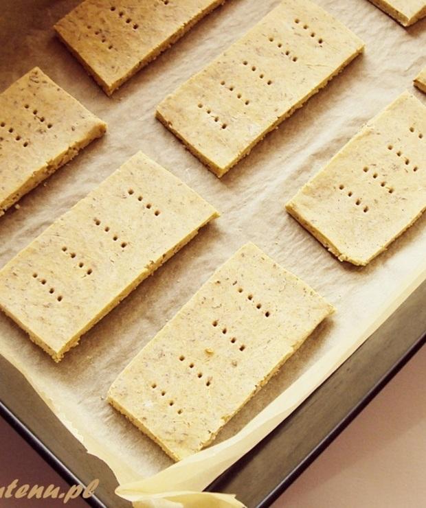 Krakersy z mąką z sorgo i z ciecierzycy ( bez glutenu ) - Chleby