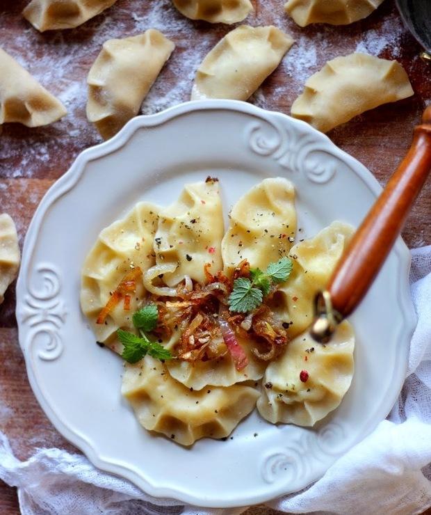 Pierogi ruskie z karmelizowaną cebulą - Mączne