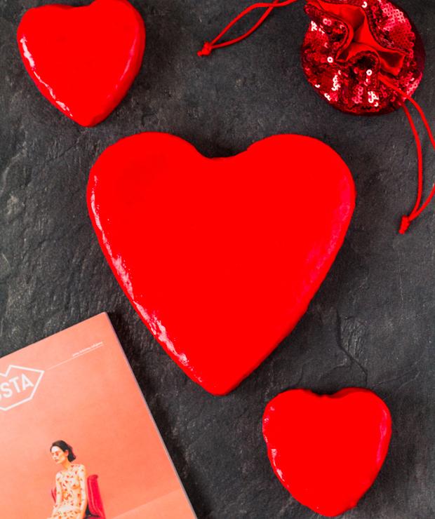 Walentynkowy sernik na zimno z malinami - Serniki