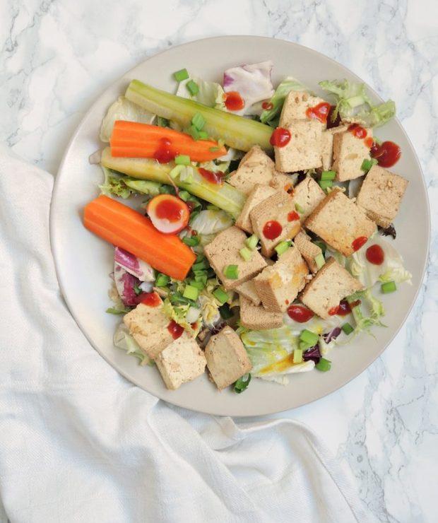 Tofu z marynowanymi warzywami na szybko - Warzywa