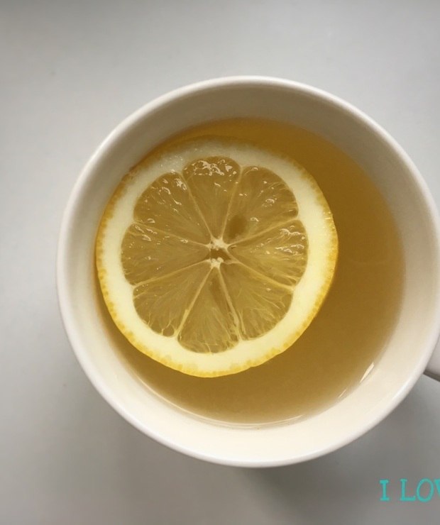 Napój imbirowy z miodem i cytryną - Gorące